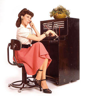 telephone operator Lily Tomlin.jpg